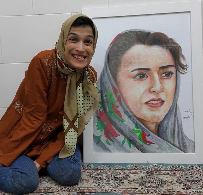 Iranian artist is thrilling the world by painting portraits with his feet 5ea6fb2340c7d  700 - Você não vai acreditar! Artista desafia a deficiência desenhando com o pé