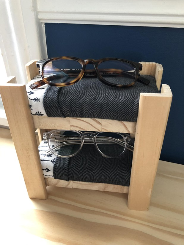 Quarantine Project #2 : A Bunk Bed for My Son's GLASSES