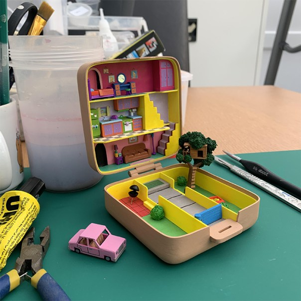 Made a miniature Simpsons 'polly pocket' thing!