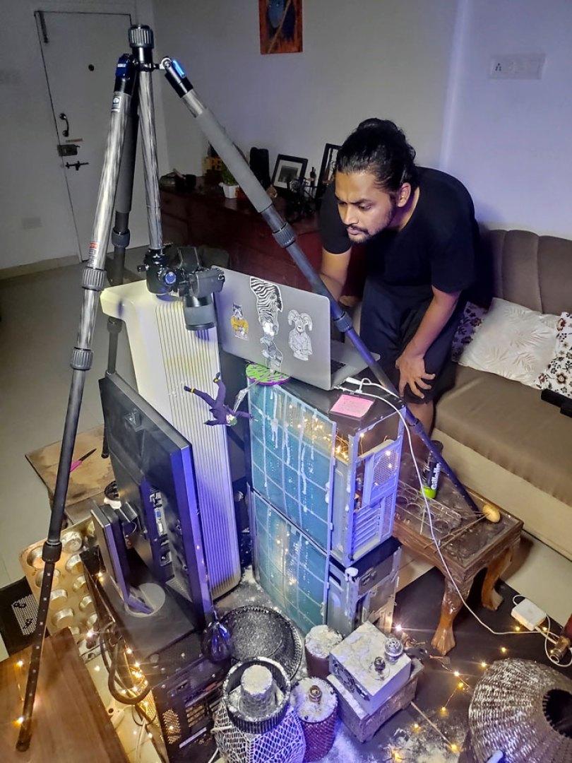 toy joker figurine photo using household items 6 5ec66184d251a  700 - Foto Impressionante - Você não vai acreditar como ele fez esta foto!