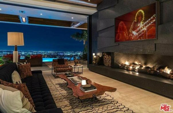Living Room With A View In La Home