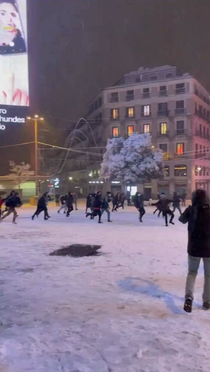 Snow Fight In Madrid, Covered In Snow For The First Time In 51 Years