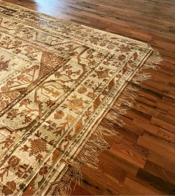This Rug Pattern Carved Into A Hardwood Floor