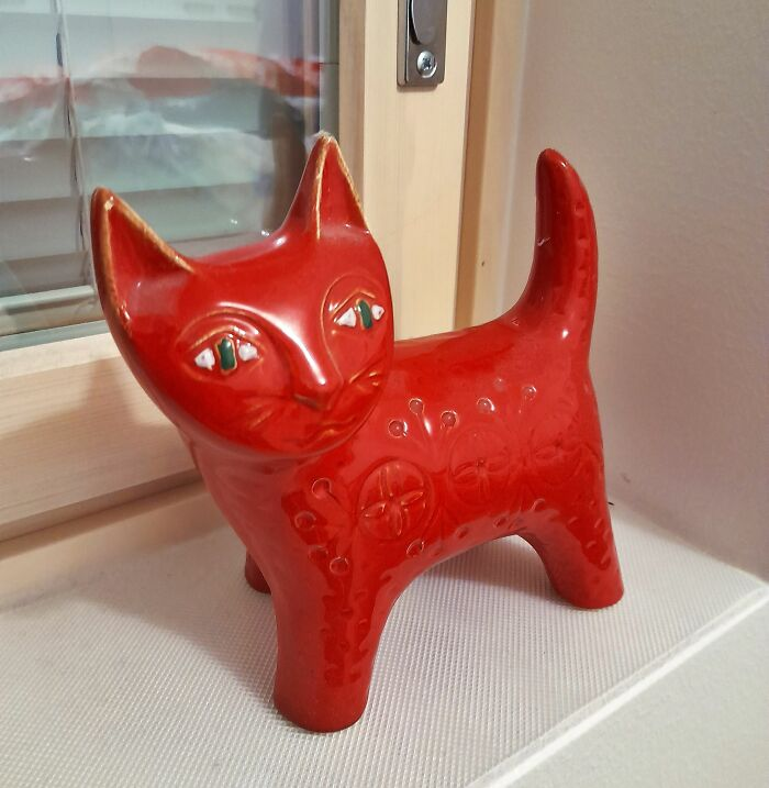 Bought This Cutie For 5 Euros. Turns Out That It's 1950's Jema Holland Cat Figurine That Sells For 250 Dollars