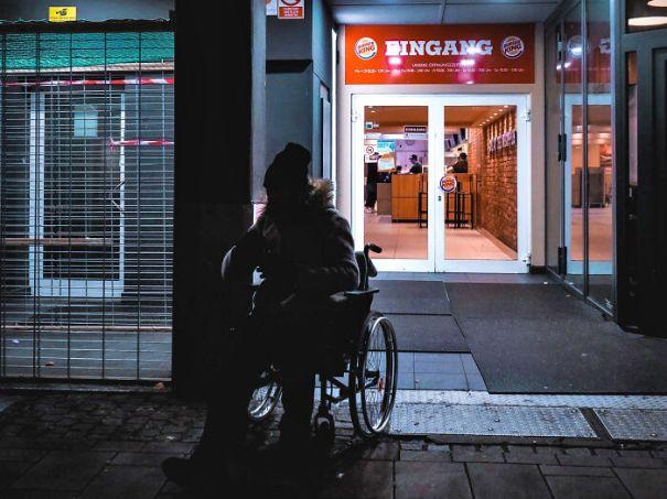 Unnoticed-Signs-Of-Privilege