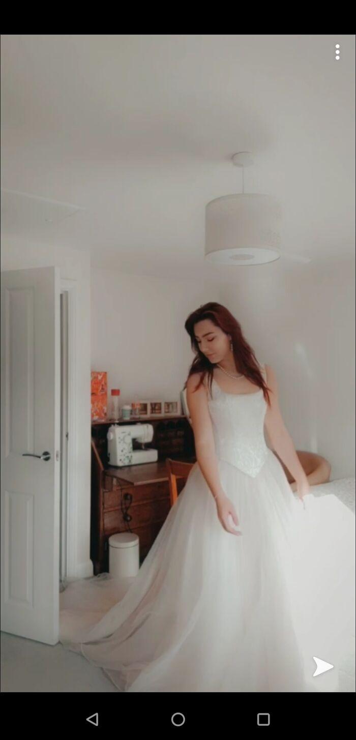This Fantasy, Princessy, Wedding Dress. 20 Pounds
