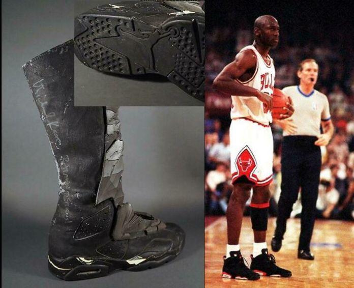 Ботинки Бэтмена в возвращении Бэтмена - это просто кроссовки Air Jordan 6 с удлиненным верхом и наклеенной пеной.  На подошве даже есть логотип Jordan