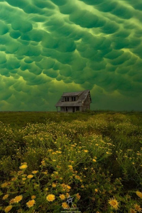 These Clouds Over This Abandoned House Look Like They're Out Of Courage The Cowardly Dog