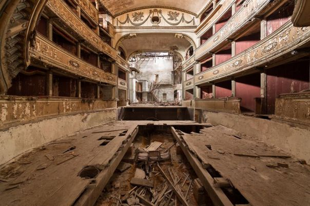 Colosseum Theater, Italy