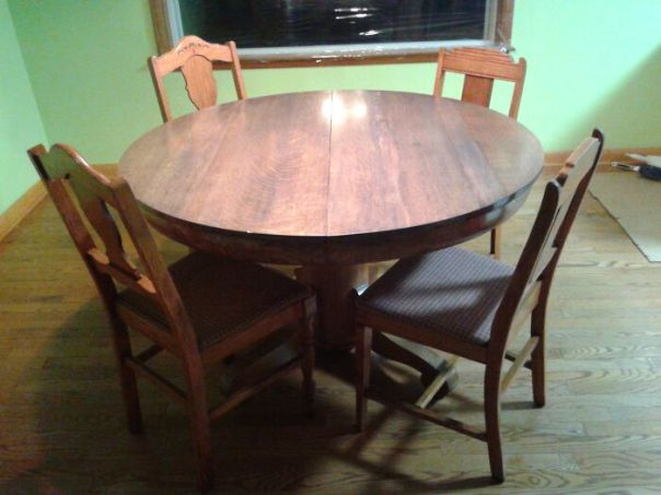 Round Oak Dining Table C.1890