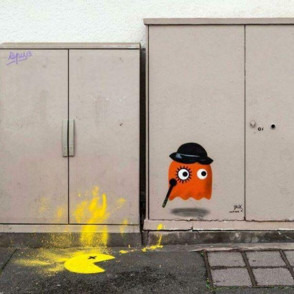 Orange Clockwork Versus Pacman bayonne . @pdvstreetartweek #oakoak #bayonne #streetart #pacman #orange #clockwork #retrogame #videogame #street #art #urban #violence #dead #