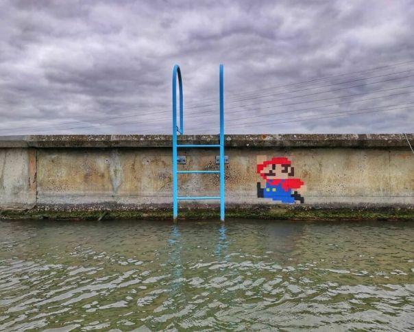 """Mario Donkey Kong 1981"" A Piece Realized In Bourges #oakoak #streetart #urbanintervention #art #urban #arturbain #wallart #bourges #mario #mariobros #nintendo #donkeykong #retrogame #oldschool"