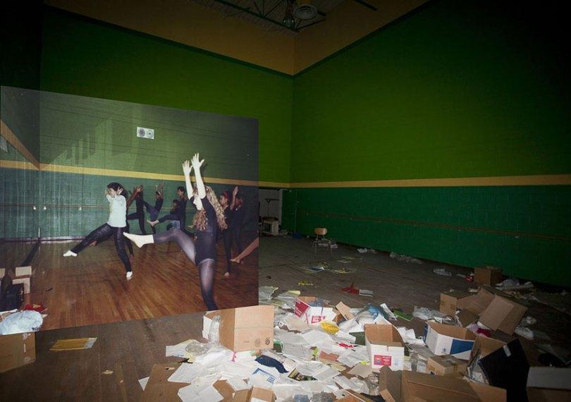 then and now abandoned school in detroit 12 - Fotos de uma escola abandonada em Detroit (antes e depois)
