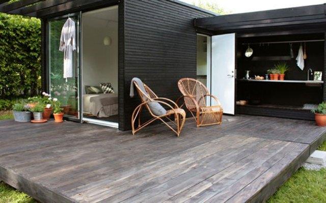 15 idee per arredare balconi terrazzi e verande guida for Minimal home arredo e complemento