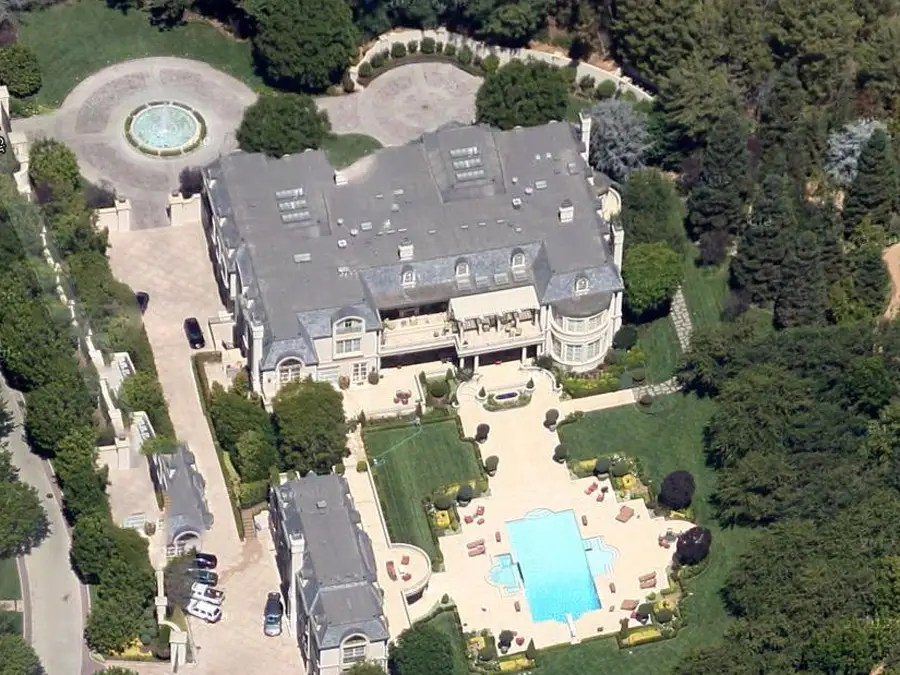 Take A Flyover Tour Of The Gigantic Mansions Of Los