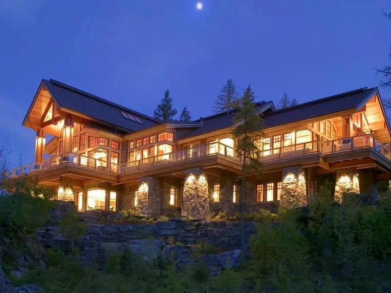 This 12,000-square-foot home in Montana is on sale for $6.9 million. The home sits on 20 acres near Whitefish Lake and the peaks of Glacier National Park.