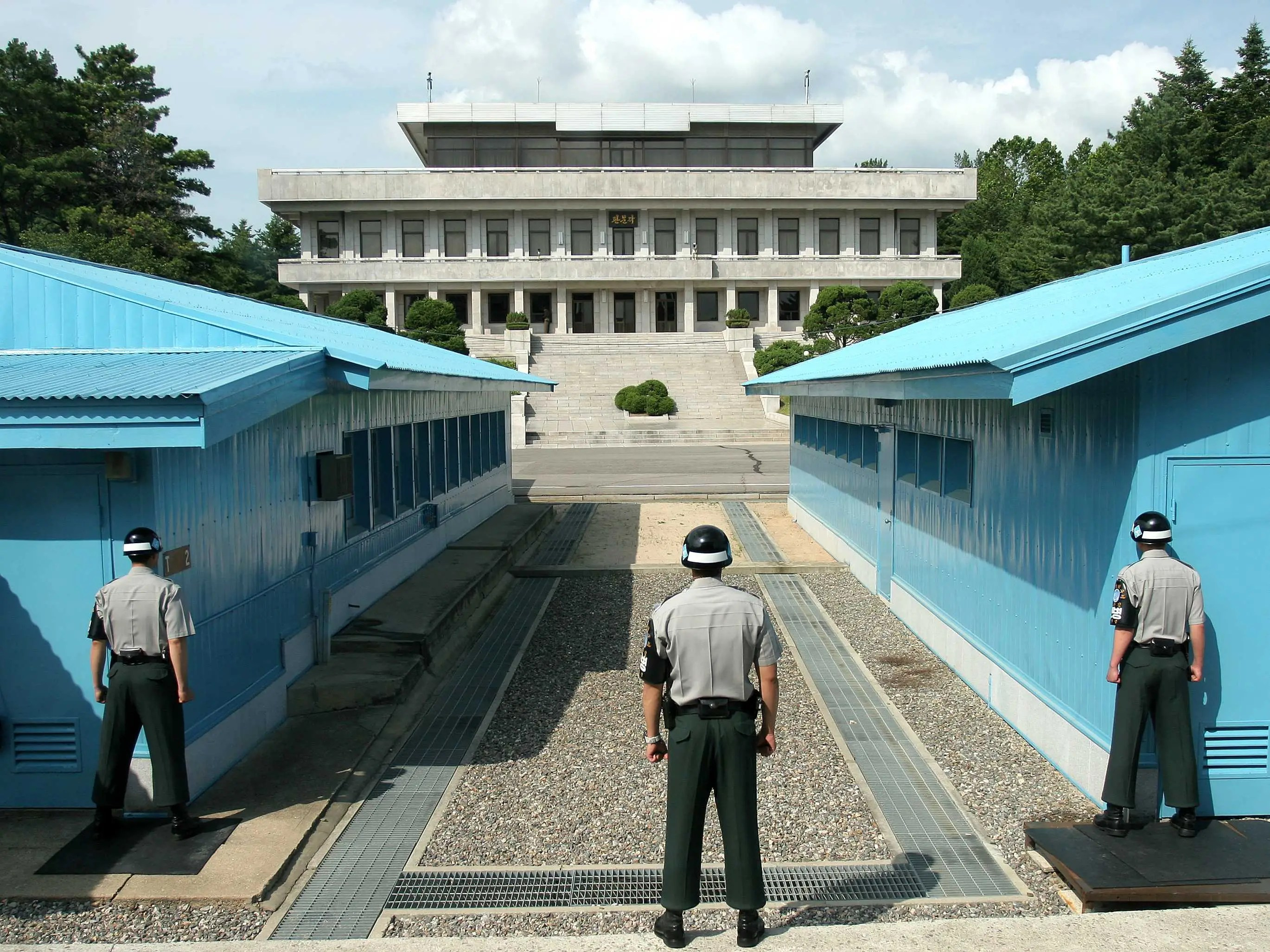 The Border Area Between North And South Korea May Be The Tensest Place On Earth  Business Insider