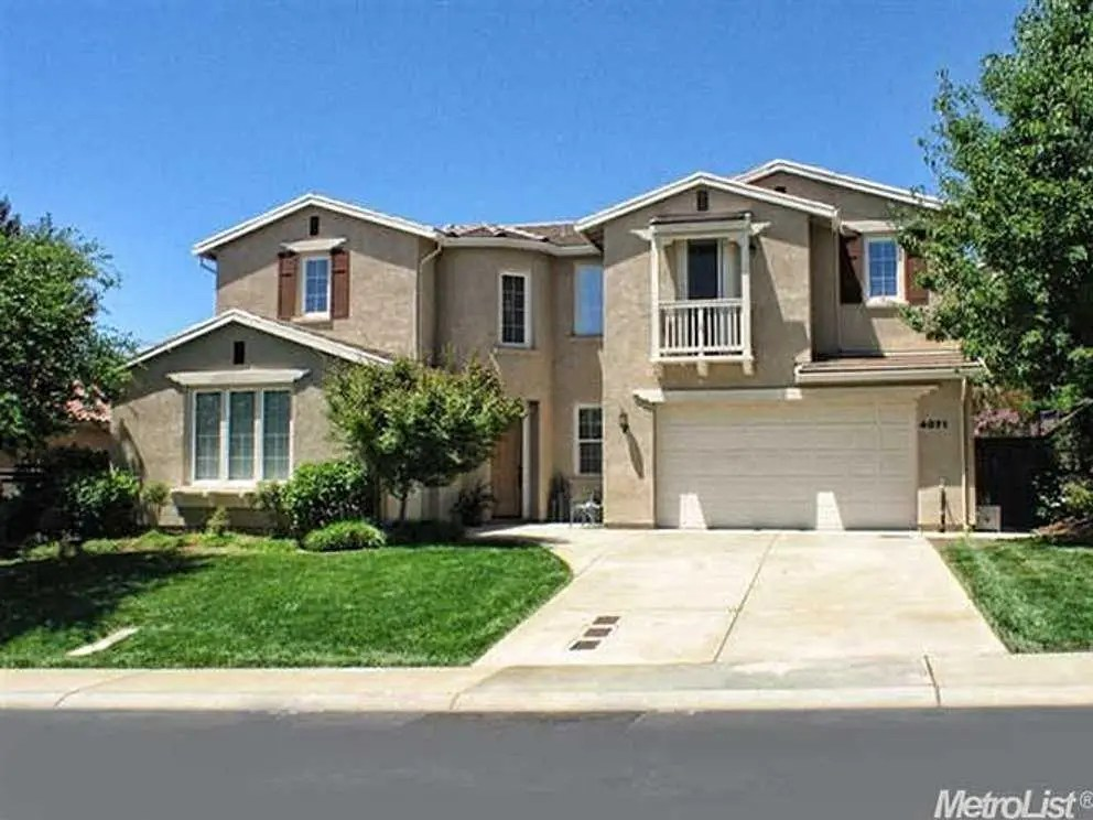 EL DORADO HILLS, CA: $500,000 gets you a 3,105-square-foot, 4-bedroom home with granite slab counters, travertine floors, and a butler's pantry.