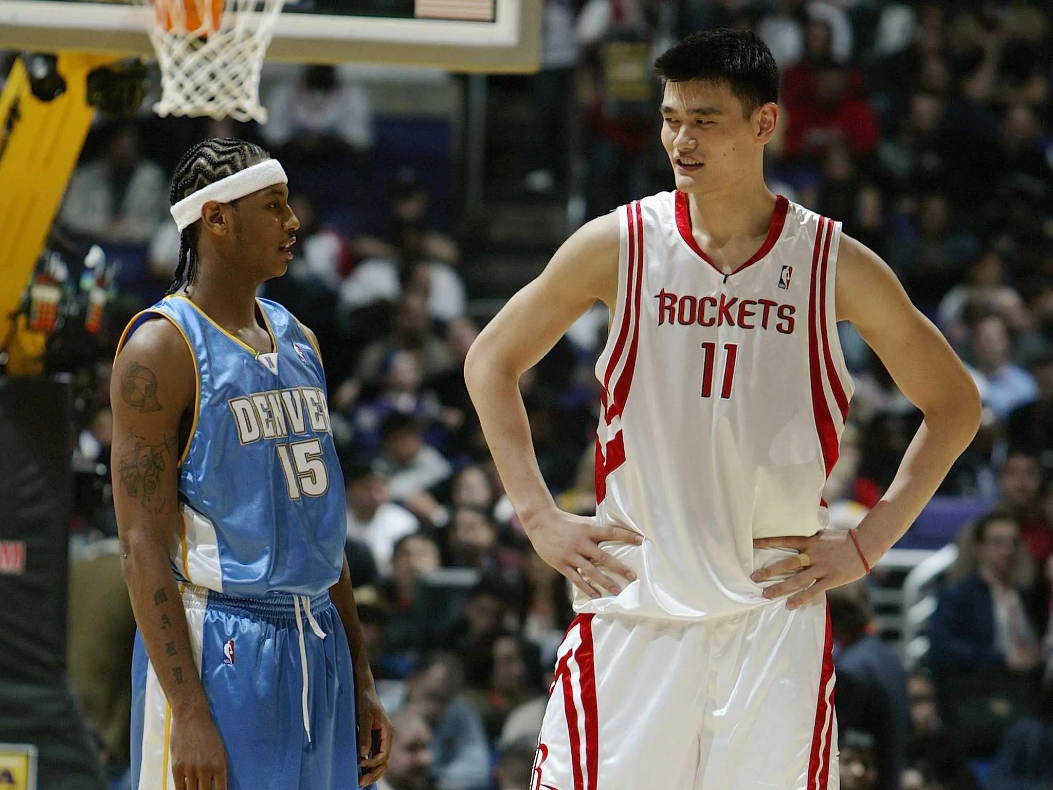 13 Photos Of Yao Ming Making Normal People Look Tiny | Business Insider