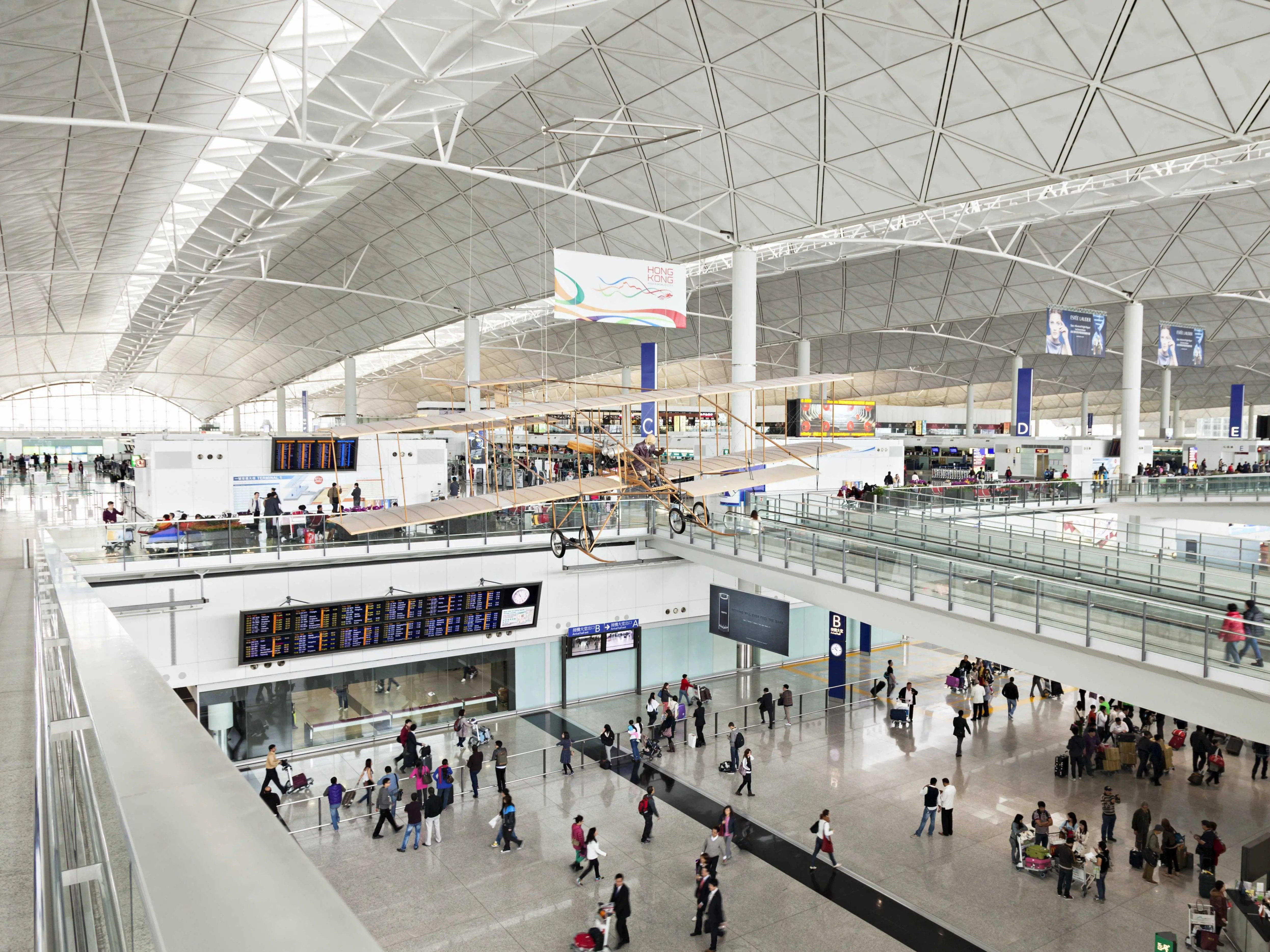 2014: The 10 Best Airports In The World   Business Insider