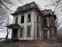 America' 12 Scariest Real-life Haunted Houses Business