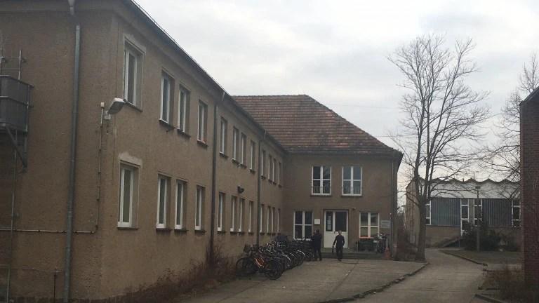 In dieser Luckenwalder Asylunterkunft sprang ein Mann auf der Flucht vor der Polizei aus dem ersten Stock