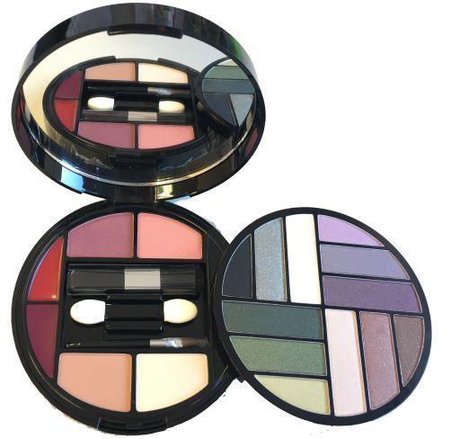 Mya Cosmetics Kit 18 Makeup
