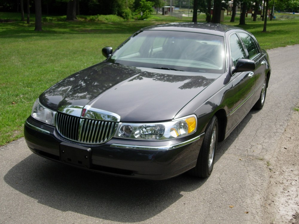 medium resolution of 1998 lincoln town car overview