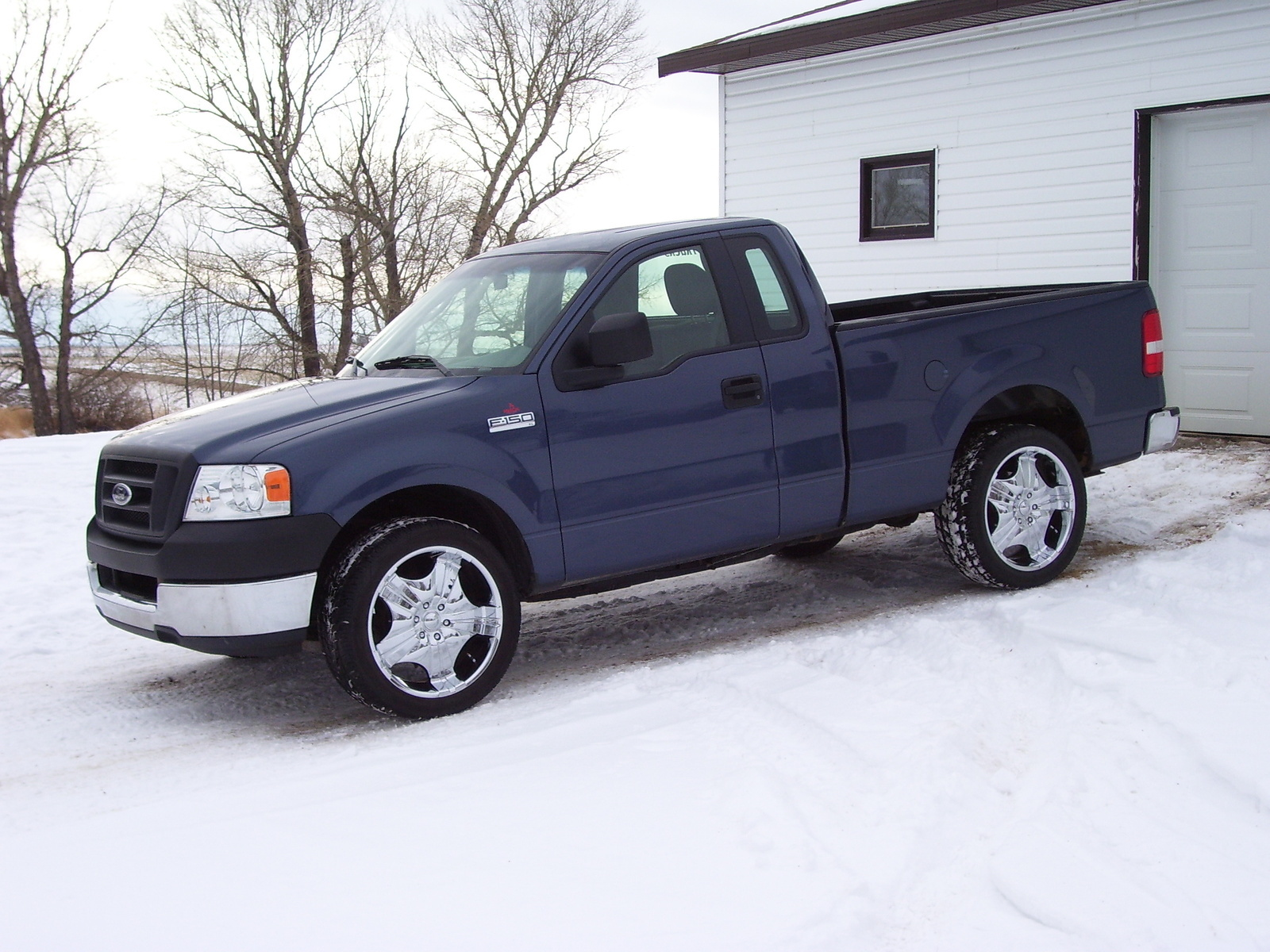 hight resolution of 2005 ford f 150 overview