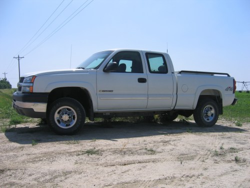small resolution of cars compared to 2004 gmc sierra 2500hd