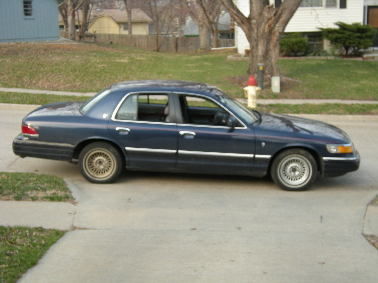 94 Lincoln Town Car Specs