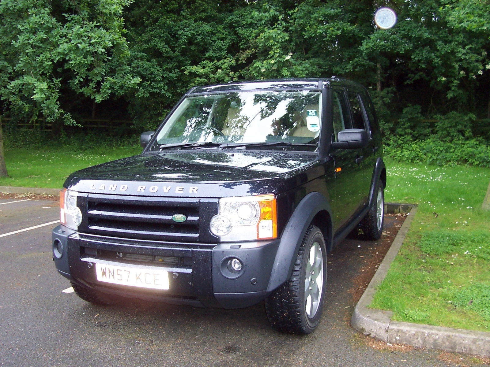 hight resolution of 2005 land rover lr3 overview