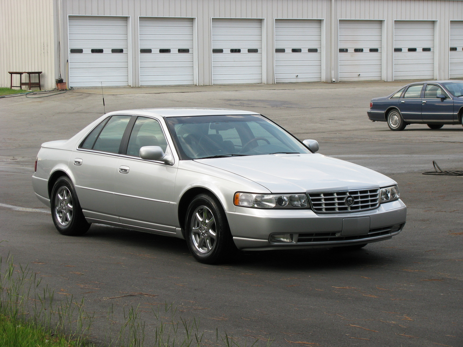 hight resolution of 2000 cadillac seville overview