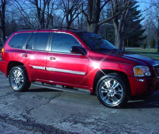 Cars Compared To 2005 Gmc Envoy Xuv
