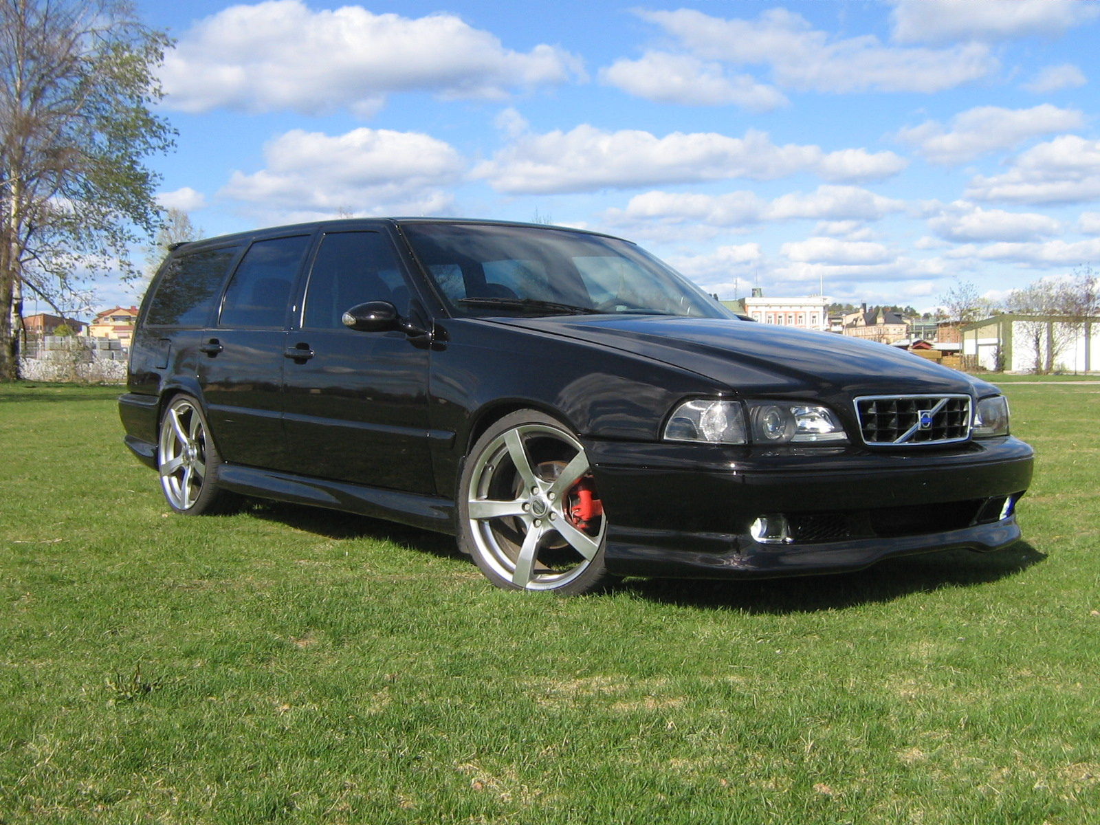 hight resolution of cars compared to 1999 volvo s70
