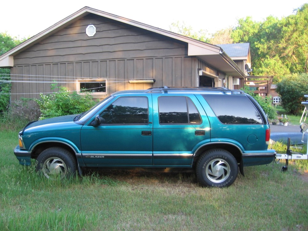 medium resolution of 1996 chevrolet blazer overview