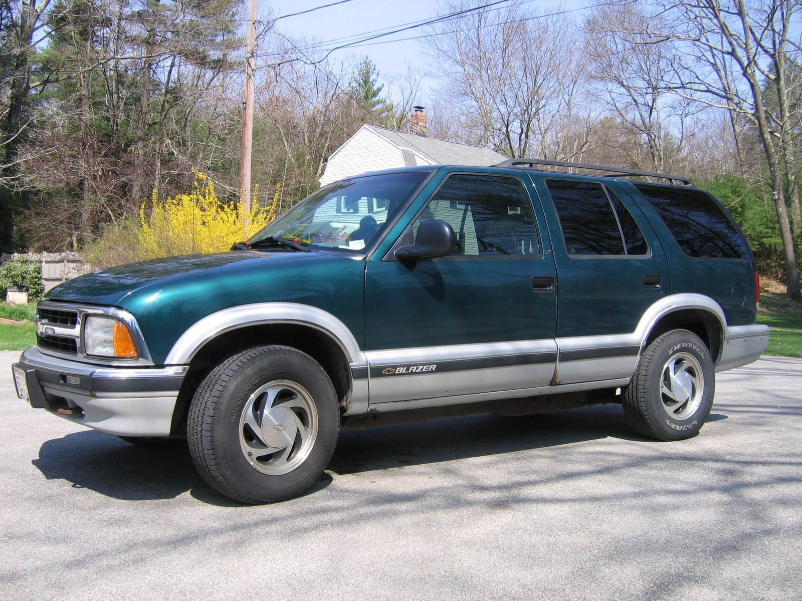 hight resolution of 1997 chevrolet blazer overview