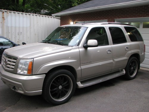 small resolution of cars compared to 2002 cadillac escalade ext