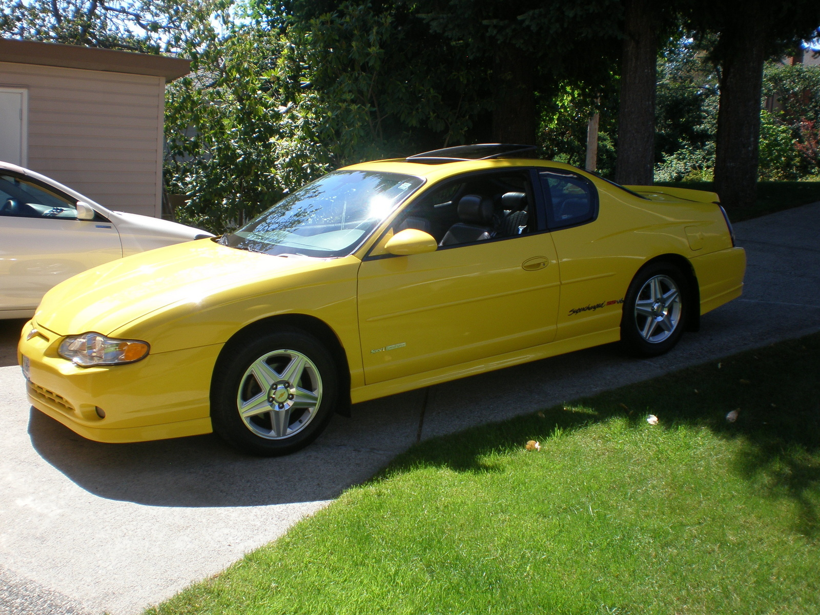 hight resolution of 2004 chevrolet monte carlo ss supercharged fwd corvette yellow 2004 chevy monte carlo ss supercharged chevrolet monte carlo compare grand prix