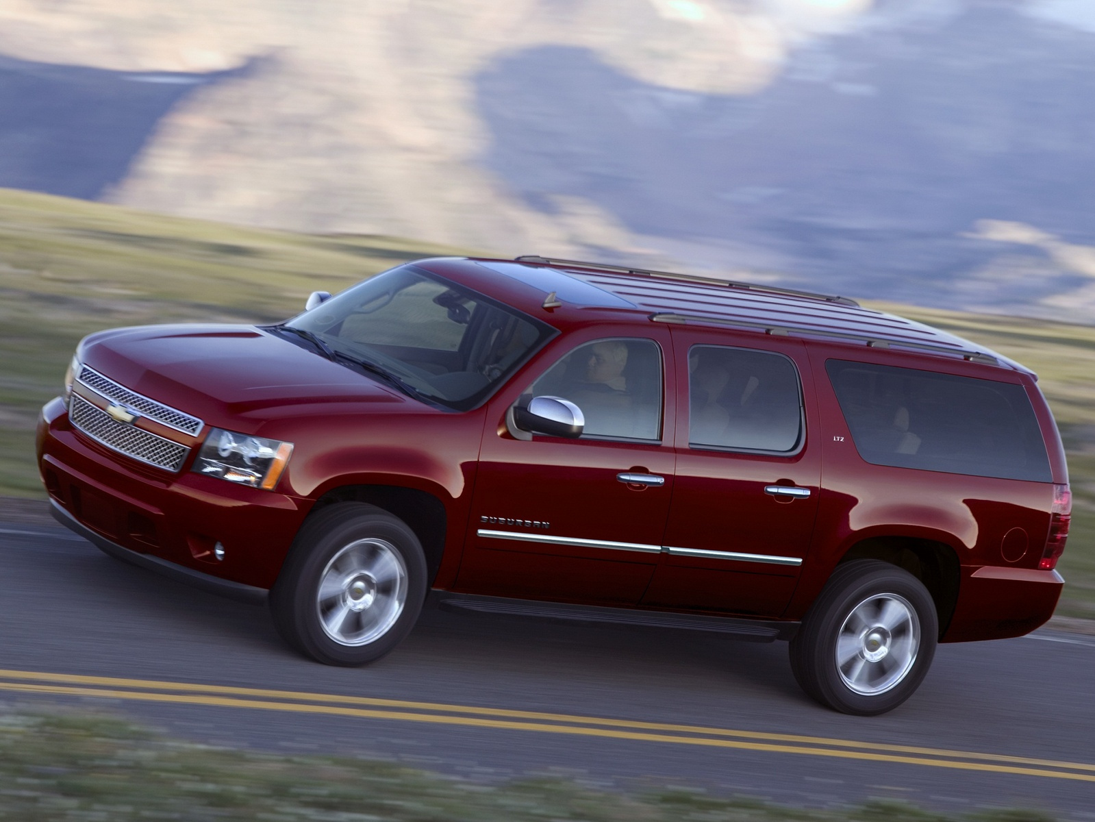 hight resolution of 2011 chevrolet suburban copyright gm corp exterior manufacturer gallery worthy