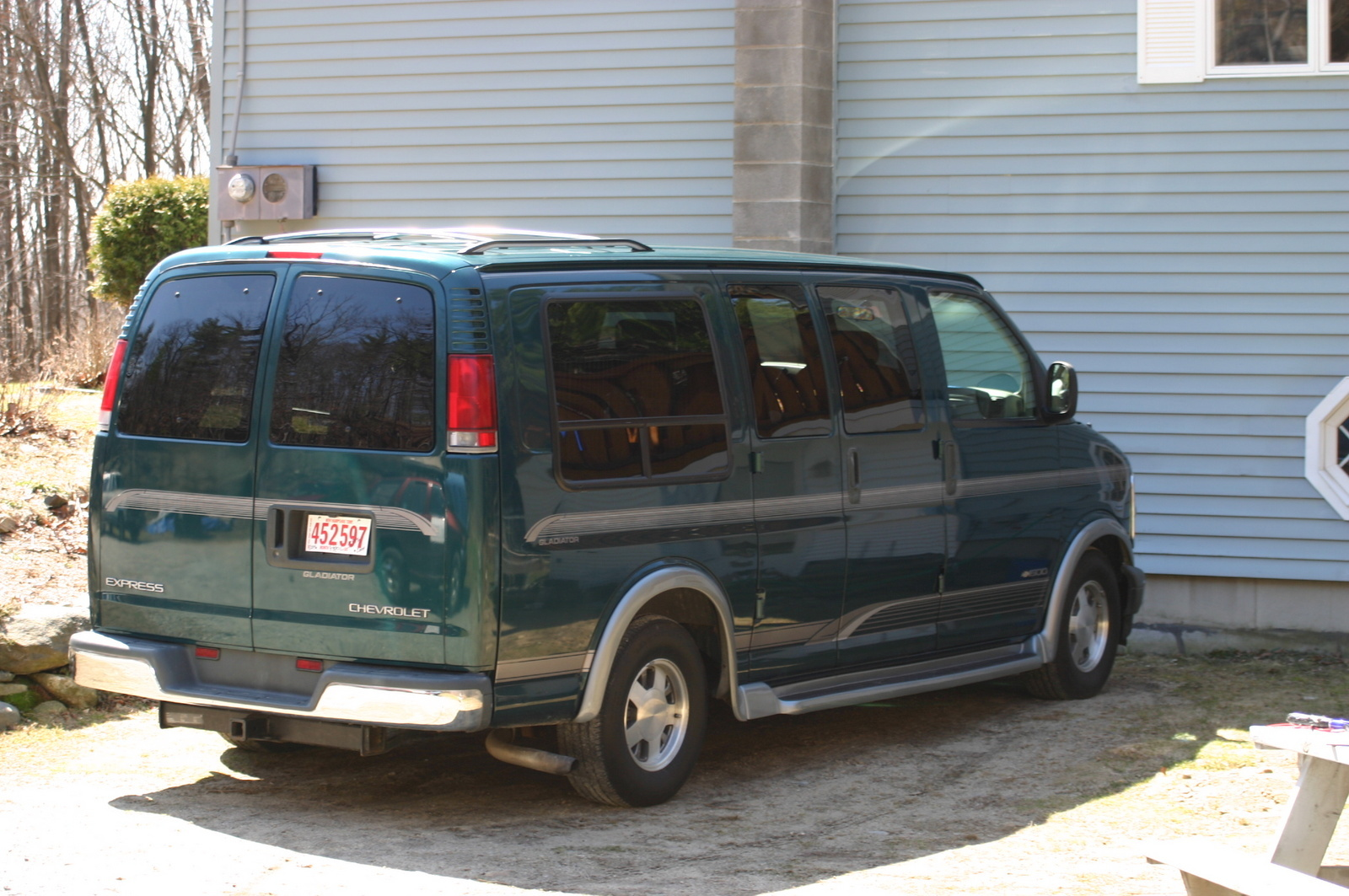 hight resolution of 1999 chevrolet express overview