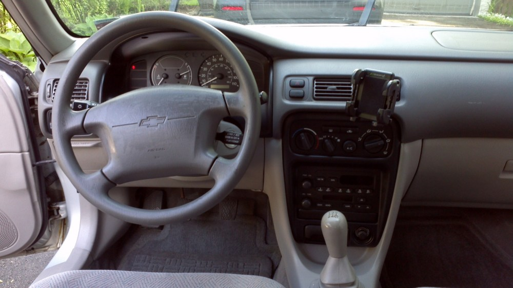 medium resolution of picture of 2001 chevrolet prizm 4 dr std sedan interior