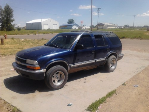small resolution of would it hurt my 99 blazer if the wheels stick out in the front