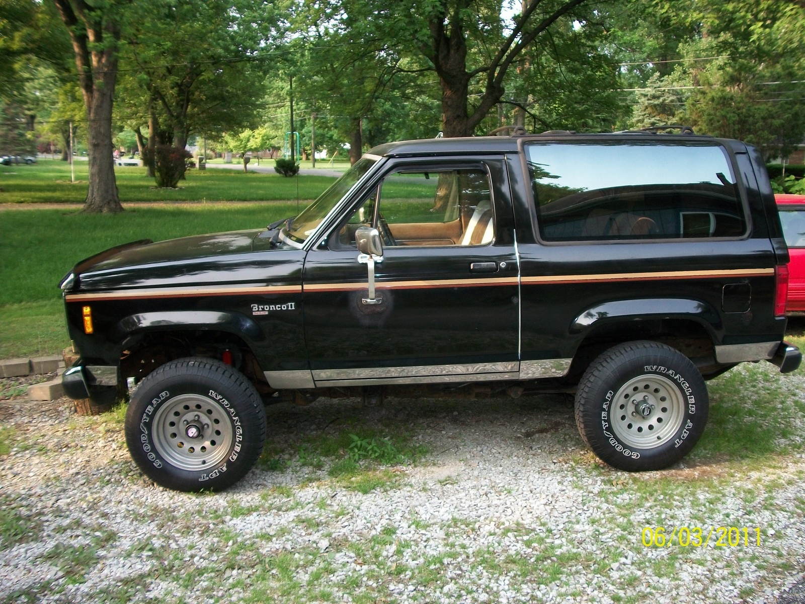 hight resolution of i have a 88 ford bronco ii xlt with vent windows non power window and im wondering how to replace the window seals i bought a brand new clip on type