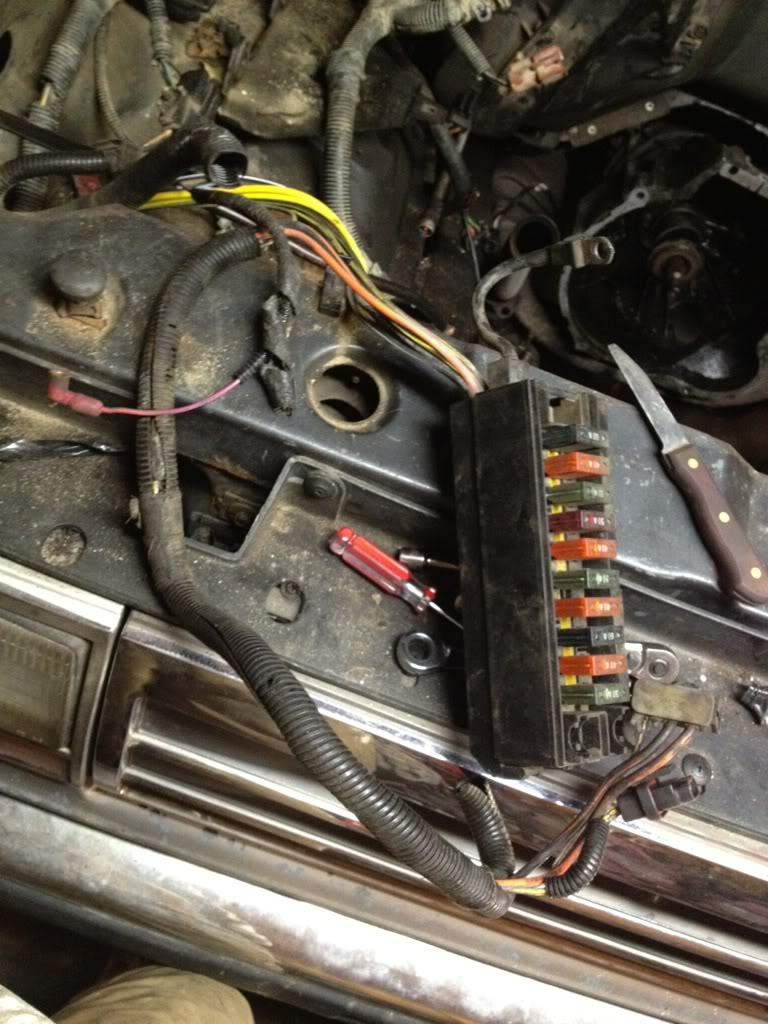 Wiring Harness For 1985 Chevy Truck In Addition 1985 Chevy Truck Fuse