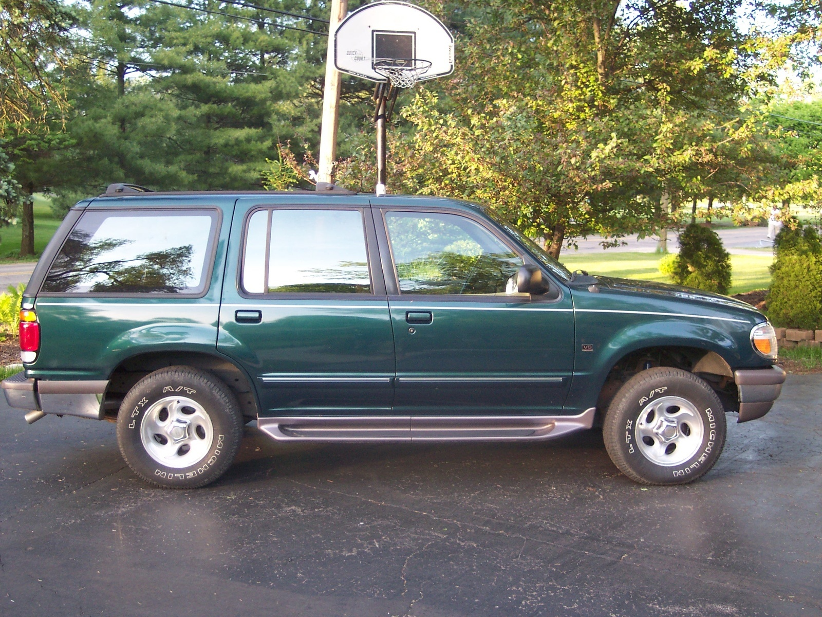 hight resolution of hi i have a ford explorer 4l v6 1997 i it dont want to start we check the fuel pump and spark plugs and thats fine when you start it back fires