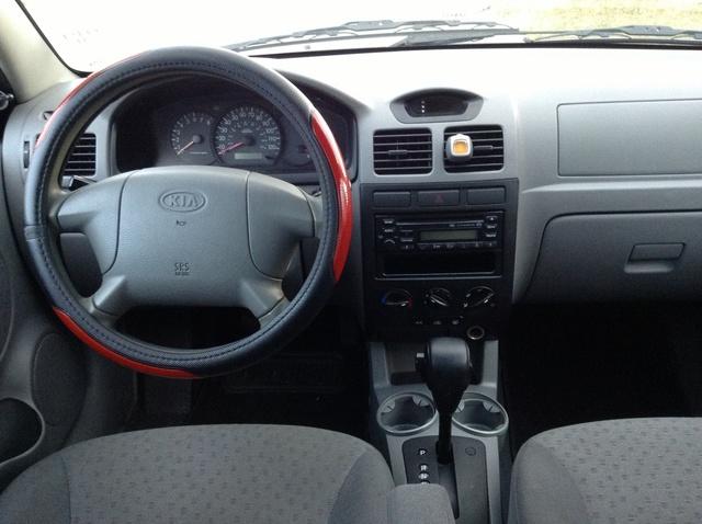 2003 Kia Rio Interior