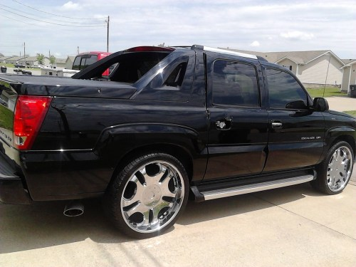 small resolution of 2002 cadillac escalade ext overview