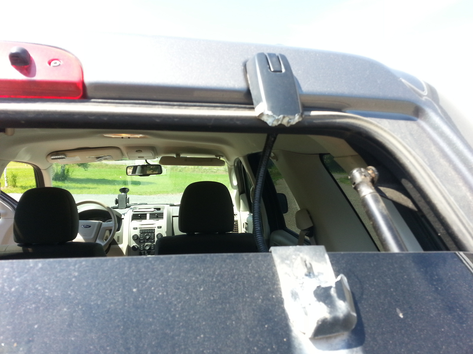 hight resolution of ford escape questions 2010 ford escape lift gate hinges rotted off cargurus