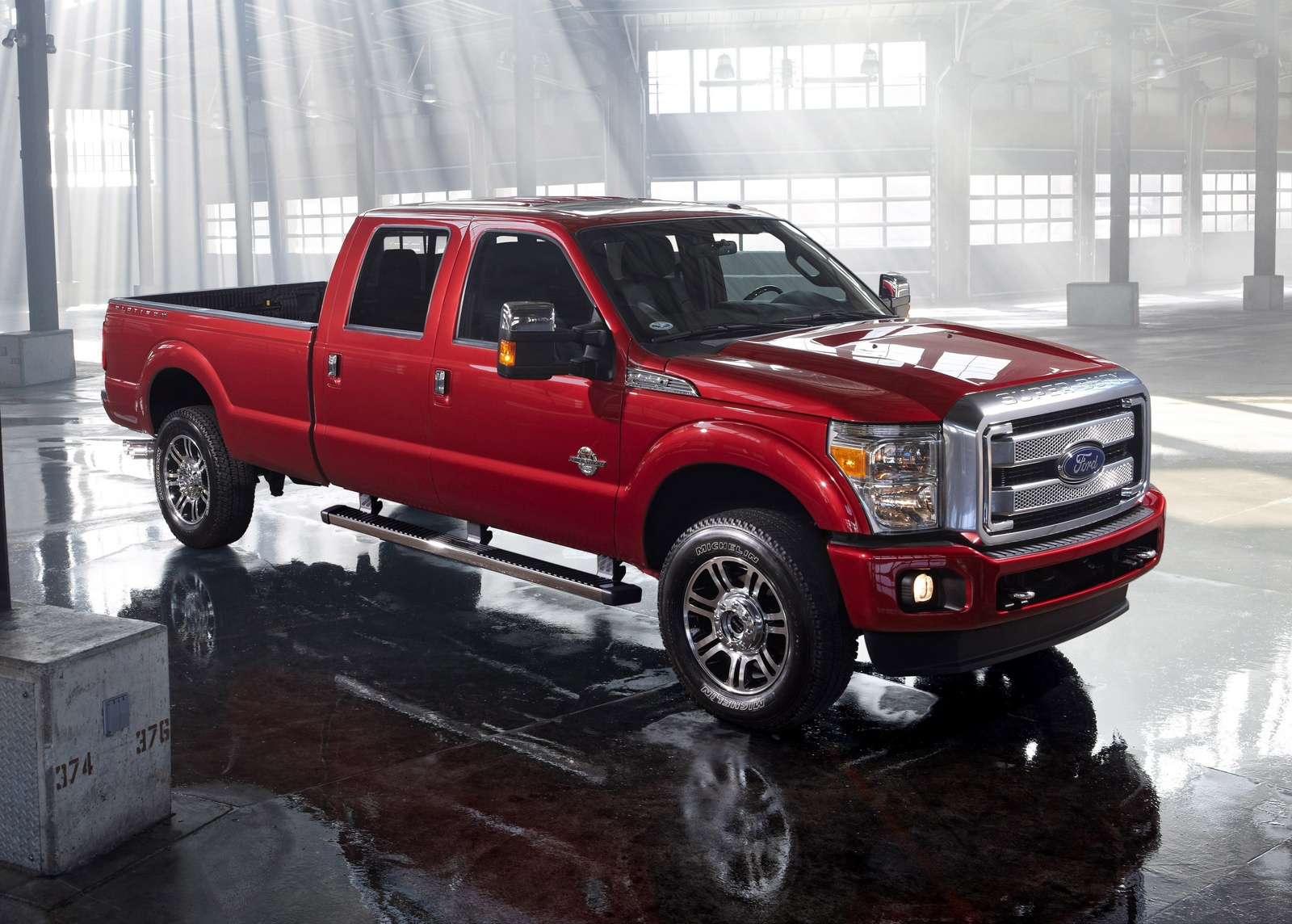 hight resolution of 2014 ford f 350 super duty front quarter view exterior manufacturer